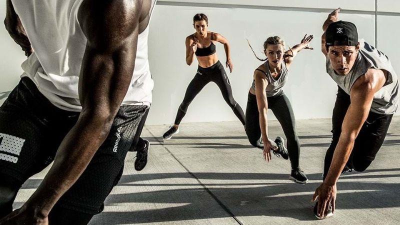 Tập fitness bao gồm các bài tập cardio.