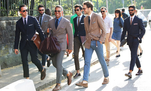 Đàn ông lịch lãm phải biết khẳng định phong cách bản thân.