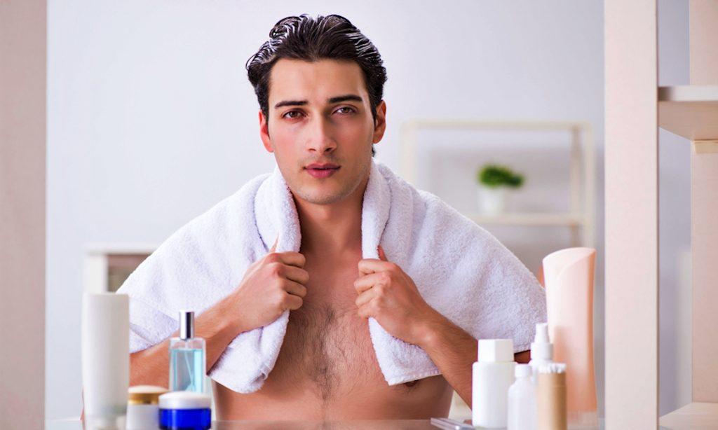 Đàn ông lịch lãm biết cách chăm sóc cơ thể.