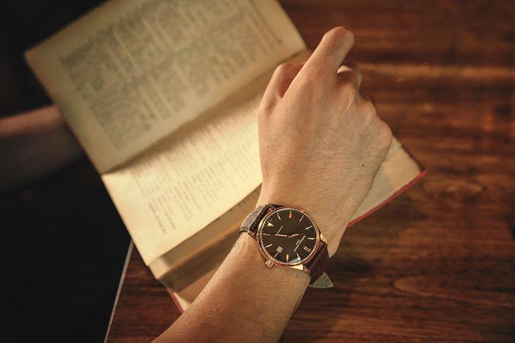 Mẫu đồng hồ cho nam.