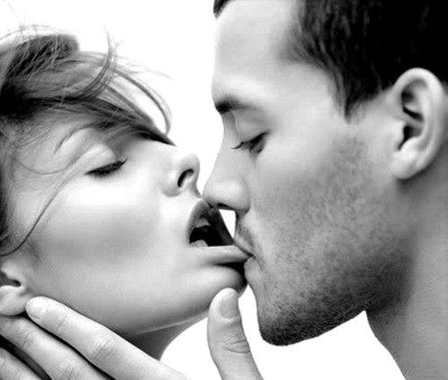 Những kiểu hôn mãnh liệt và cháy bỏng