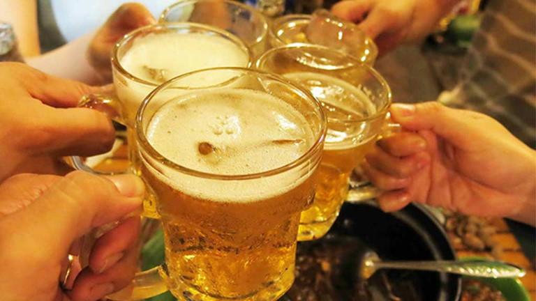 Học cách thưởng thức bia để hưởng trọn vị ngon của nó.