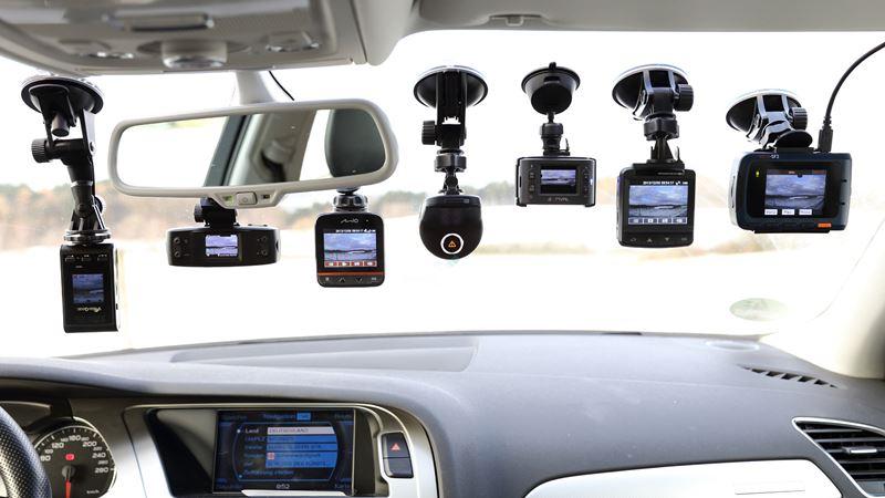 Trang bị camera khi mua xe ô tô mới