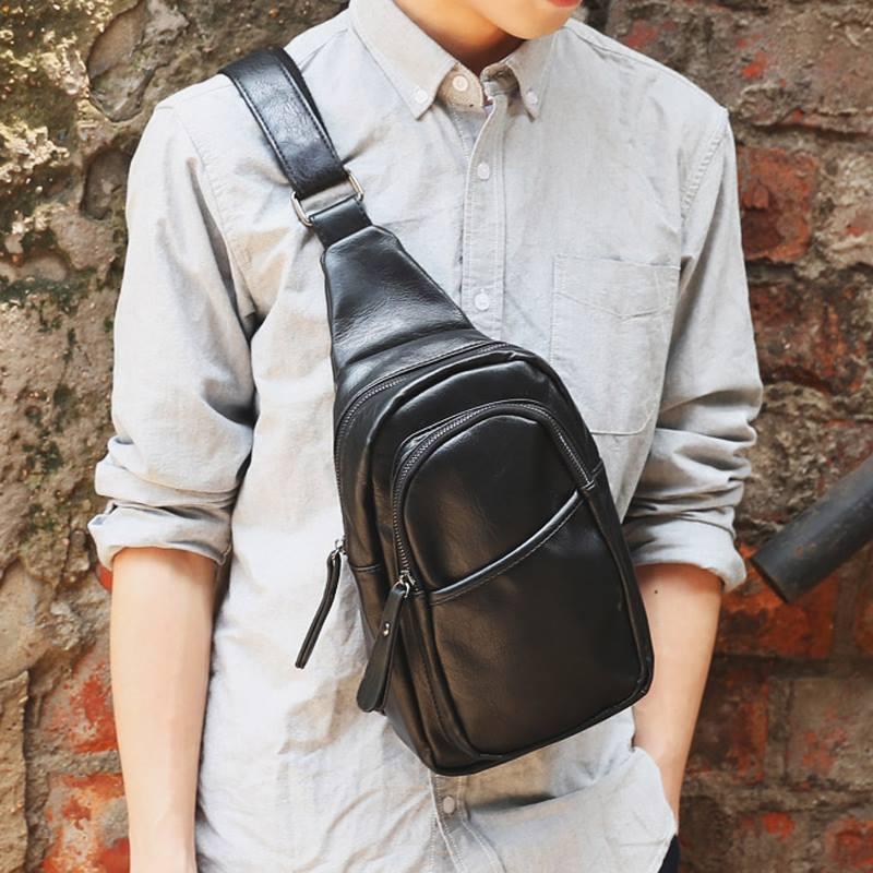 Mẫu túi đeo chéo cho nam hiện đại.