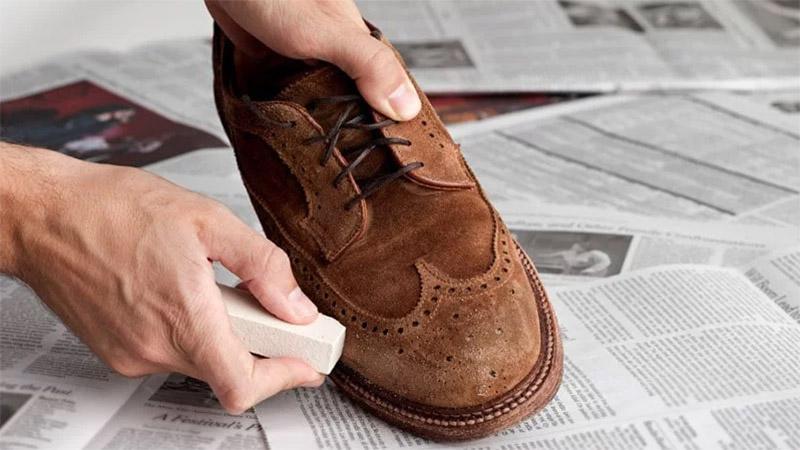 Bảo quản giày, vệ sinh giày