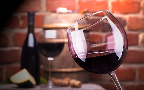 Quy tắc cơ bản khi uống rượu vang