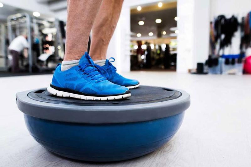Tập Fitness từ việc giữ cân bằng.