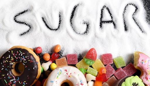 Ngăn ngừa hôi miệng bằng cách hạn chế ăn đồ ăn có đường