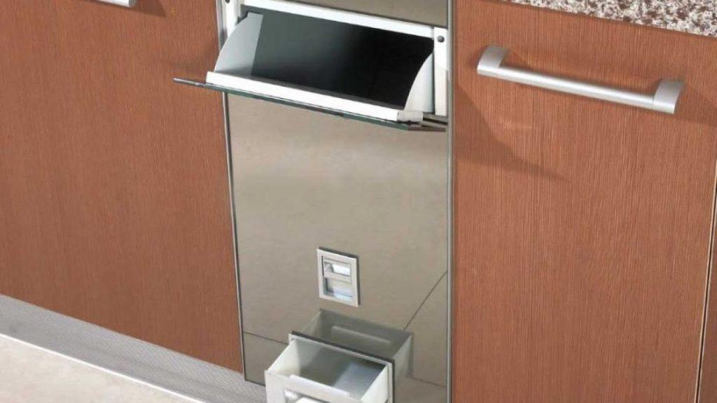 Thùng gạo âm tủ tiết kiệm diện tích, tăng tính thẩm mỹ cho gian bếp gia đình bạn.