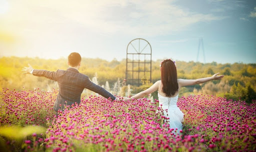 Bãi giữa sông Hồng là địa điểm hẹn hò lý tưởng cho các cặp đôi