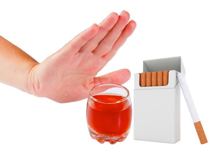 Nên tránh xa các chất kích thích ảnh hưởng đến sức khỏe