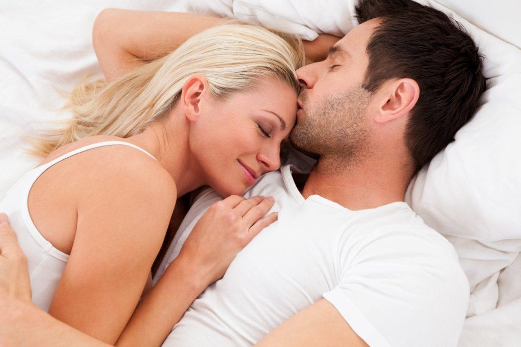 Chuyện giường chiếu hòa hợp là cách để giữ hạnh phúc gia đình