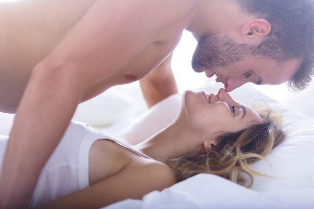 Lựa chọn tư thế quan hệ phù hơp là cách để lâu xuất tinh hơn