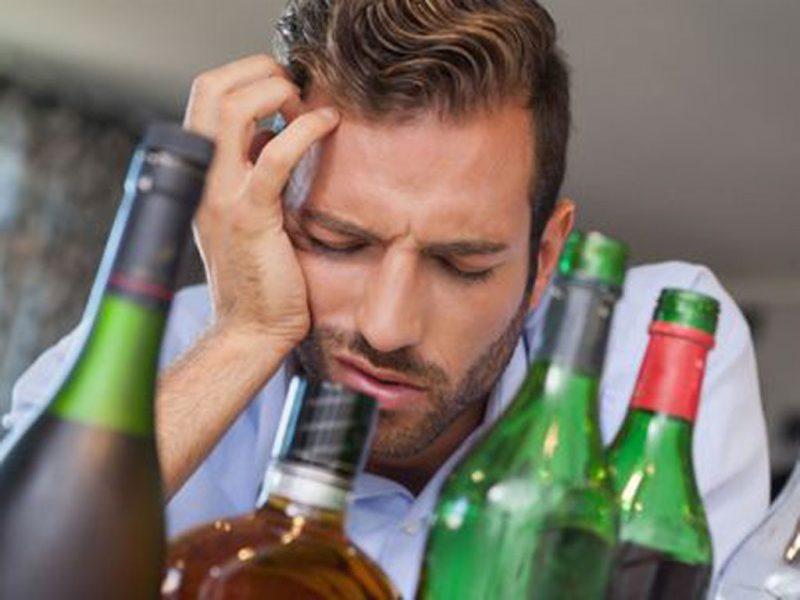 Sử dụng rượu bia khiến nhịp tim đập bất thường