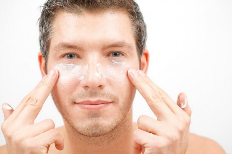 Nên chọn loại kem dưỡng da có thành phần tự nhiên.
