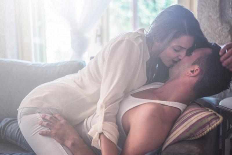 Phụ nữ lâu ngày không quan hệ thường có ham muốn tình dục tăng ca