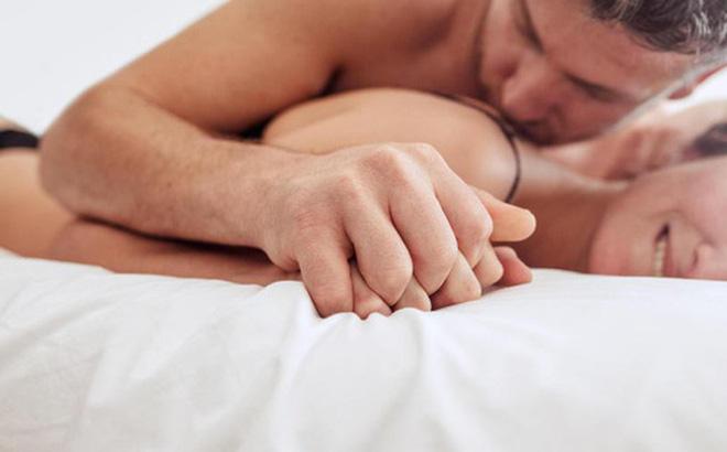 Đâu là nơi phụ nữ muốn được chạm vào khi làm tình?