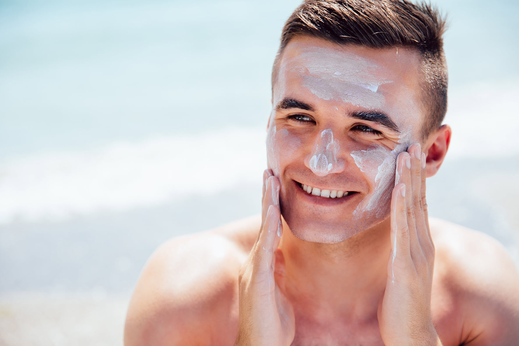 Sẽ không có một chuỗi chăm sóc da bài bản nào mà lại thiếu đi bước chống nắng.