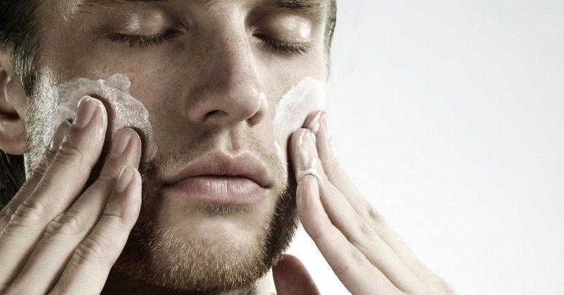 Tip chăm sóc da mặt vào mùa hè cho phái mạnh