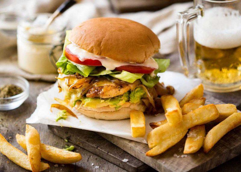 Chế độ ăn uống không lành mạnh khiến chất lượng tinh trùng suy giảm