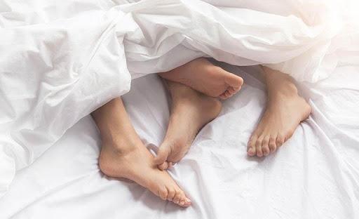 Quan hệ tình dục quá độ là nguyên nhân dẫn đến tinh trùng bị loãng