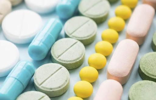 Sử dụng viên uống bổ sung và thuốc điều trị tinh trùng loãng