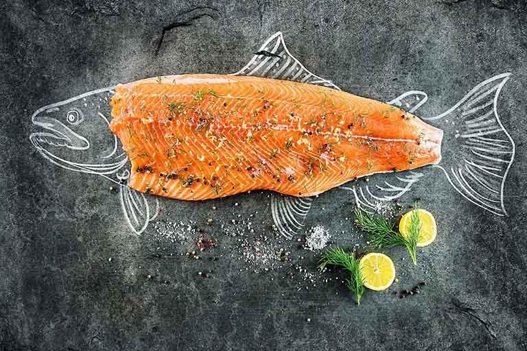 Thực phẩm giúp làm giảm tổn thương ở thận – Cá hồi