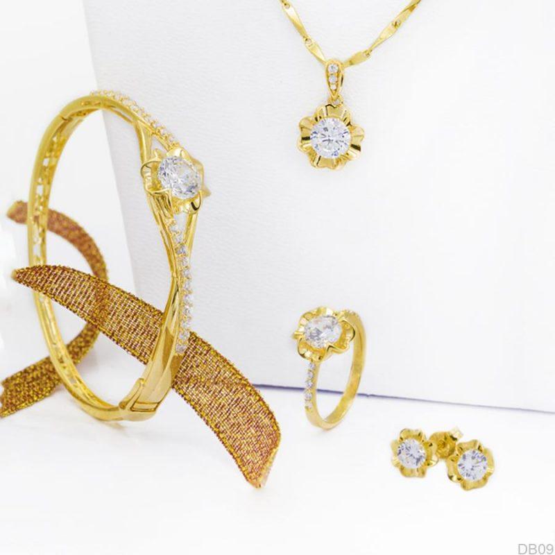 Tặng mẹ bộ trang sức bằng vàng là một ý tưởng không thể bỏ qua