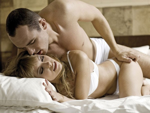 Tư thế úp thìa mang đến nhiều khoái cảm nhất cả cả nam và nữ