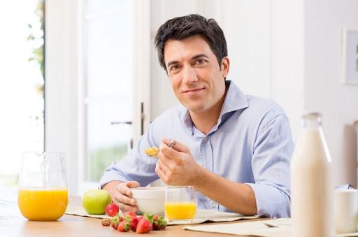 Phái mạnh có thể phòng ngừa bệnh bằng chế độ dinh dưỡng lành mạnh