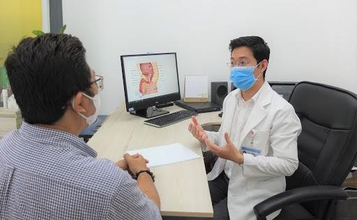 Đi thăm khám khi có triệu chứng bất thường để xác định tình trạng của mình