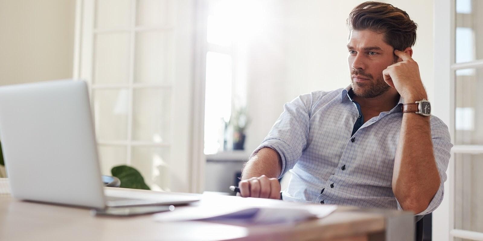 Nam giới làm việc văn phòng, ít vận động có nguy cơ mắc liệt dương cao
