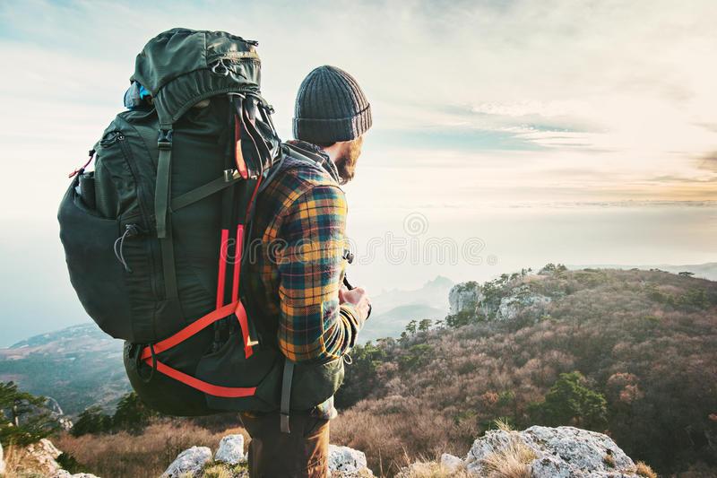 Lời khuyên khi chuẩn bị đồ du lịch là cần lựa chọn trang phục phù hợp cho từng loại hình du lịch
