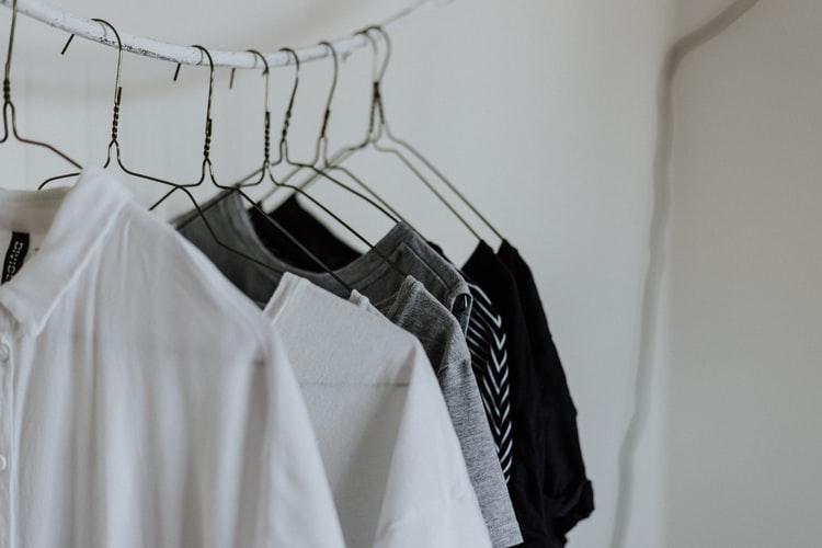 Loại bỏquần áo đã cũkhỏi tủ
