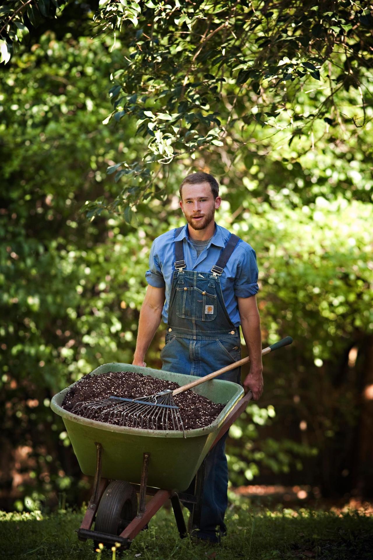 Bí quyết cho một cuộc sống hạnh phúc - Hãy chăm sóc tâm hồn bằng việc chăm sóc cây trong vườn