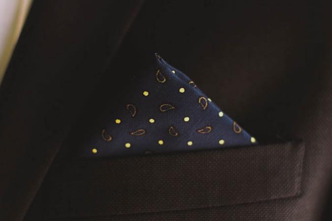 gấp khăn túi áo vest đỉnh đơn (one-point)