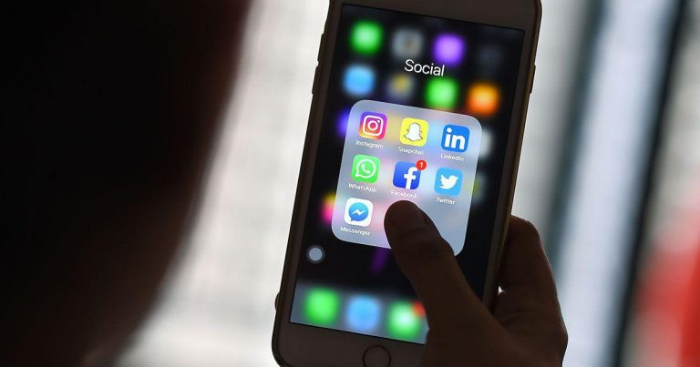 Tránh xa mạng xã hội