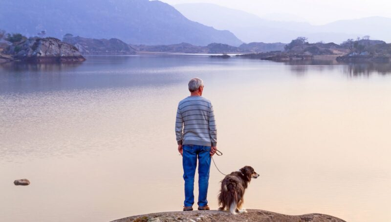 Dấu hiệu của không tiết kiệm tiền là bạn chưa bắt đầu tiết kiệm tiền cho việc nghỉ hưu