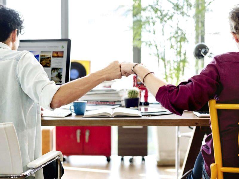 Cách ứng xử trong các mối quan hệ đồng nghiệp