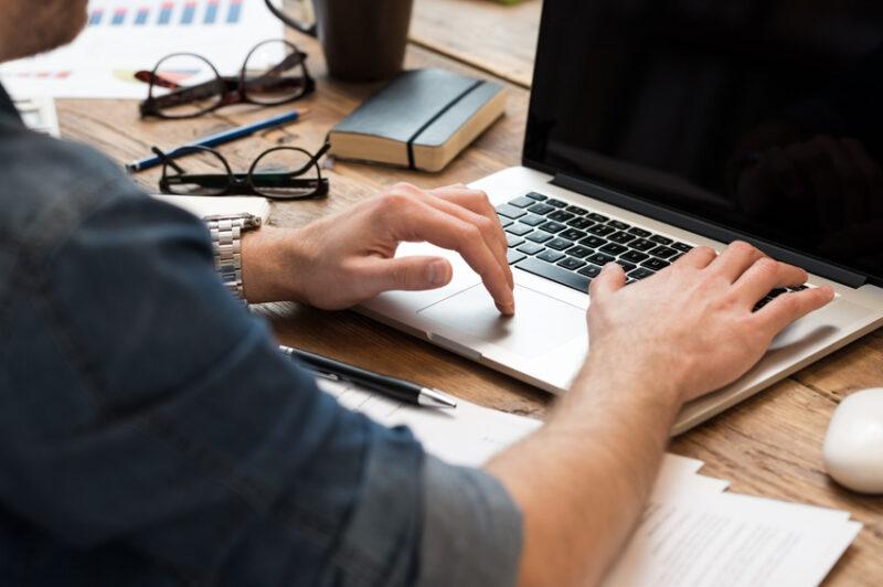 Mở tài khoản riêng cho công việc là một cách quản lý tài chính hiệu quả của freelancer