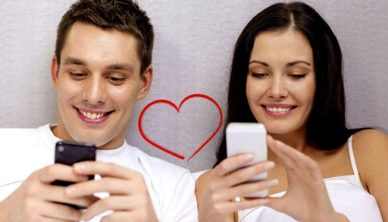 Nguyên tắc 1: Sử dụng điện thoại khi hẹn hò cần cân nhắc kỹ lưỡng cho buổi hẹn đầu tiên