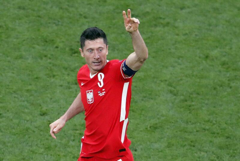 Lewandowski ghi 3 bàn tai Euro 2020.