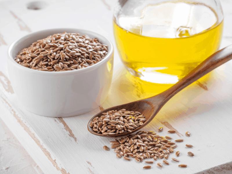 Một số loại hạt như hạt lanh, hạt vừng chứa các vi chất dinh dưỡng gọi là polyphenol