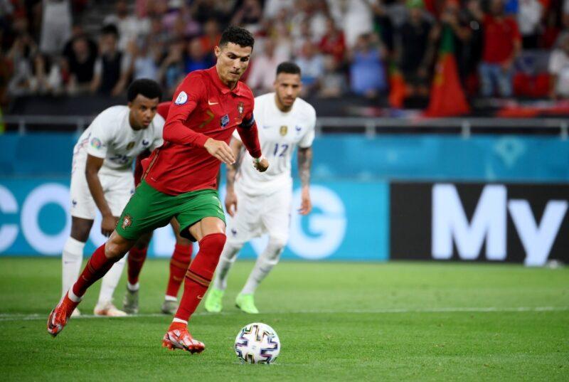 Nhìn ronaldo lấy đà thì mọi người đã nghĩ tới việc ăn mừng bàn thắng