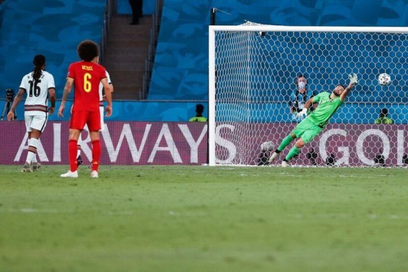 Thorgan Hazard lập siêu phẩm giúp Bỉ loại Bồ Đào Nha.