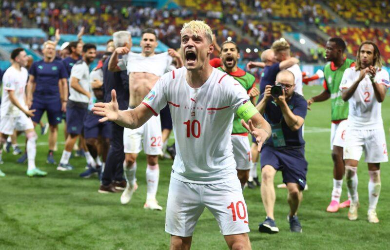 Đội trưởng Granit Xhaka của Thụy Sĩ sẽ vắng mặt ở trận này vì nhận đủ thẻ phạt