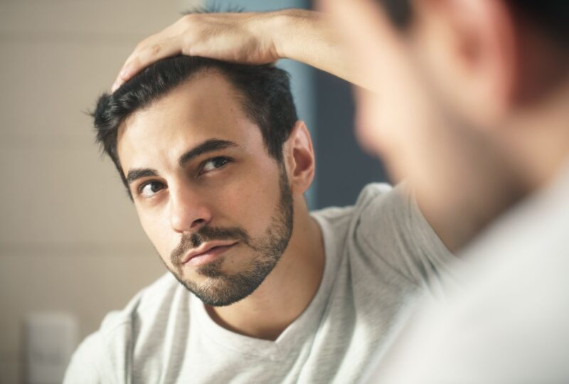 Tôi có thể làm gì để năng ngừa rụng tóc tự nhiên?