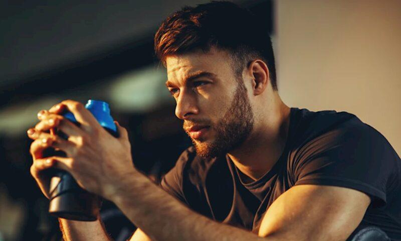 testosterone giúp làm tăng ham muốn tình dục và xây dựng cơ bắp.