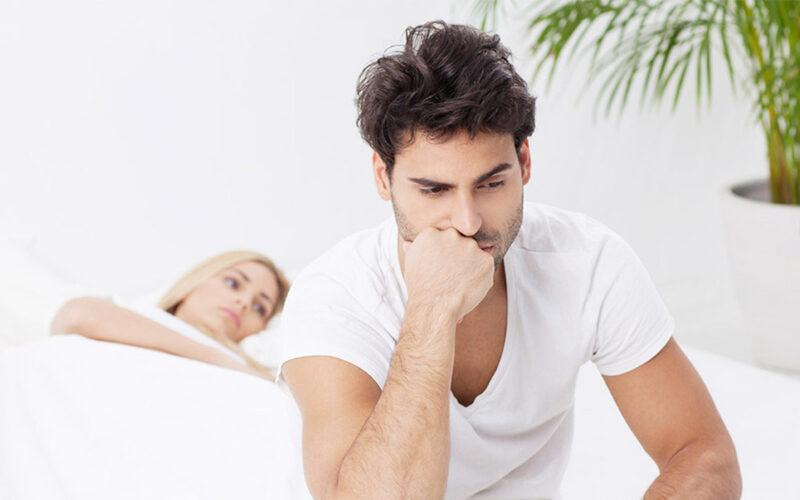 Mất hứng thú với tình dục và không thể duy trì sự cương cứng là 2 biểu hiện